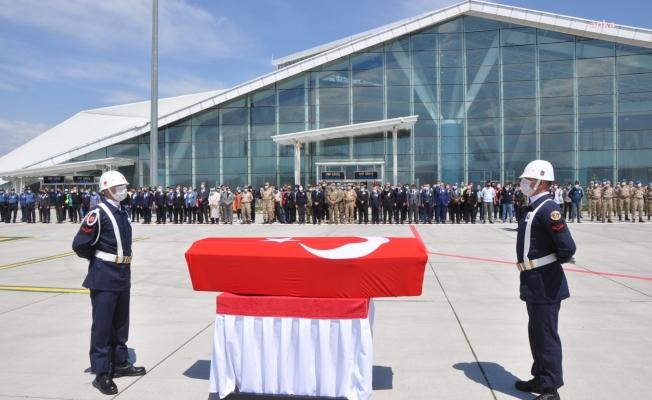 Şehit Astsubay'ın Cenazesi Memleketi İzmir'e Gönderildi