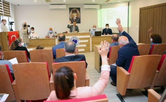 Yomra'da 5 AKP'li belediye meclis üyesi istifa etti