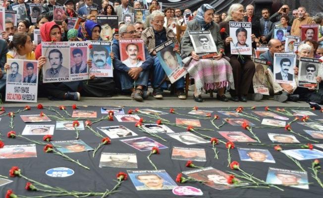"""Babacan'dan Cumartesi Anneleri'ne destek: """"Devletin görevi, acılı annelere hesap vermektir; hesap sormak değil"""""""