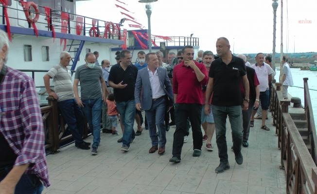 """CHP gemisi, Akçakoca'ya ulaştı: """"İlk defa balıkçının derdini dinlemeye gelen milletvekilleri var"""""""