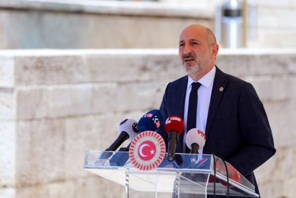 CHP'li Öztunç THK Başkanını istifaya davet etti: Türkiye cayır cayır yanıyor, THK Başkanı düğünde eğleniyor