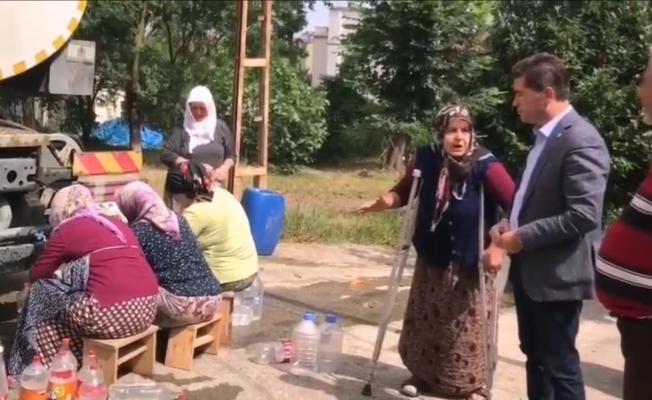 """CHP'li Kaya, Su Sıkıntısı Çeken Kireçhane Mahallesini Ziyaret Etti; """"Taşıma Suyla Abdest!"""""""