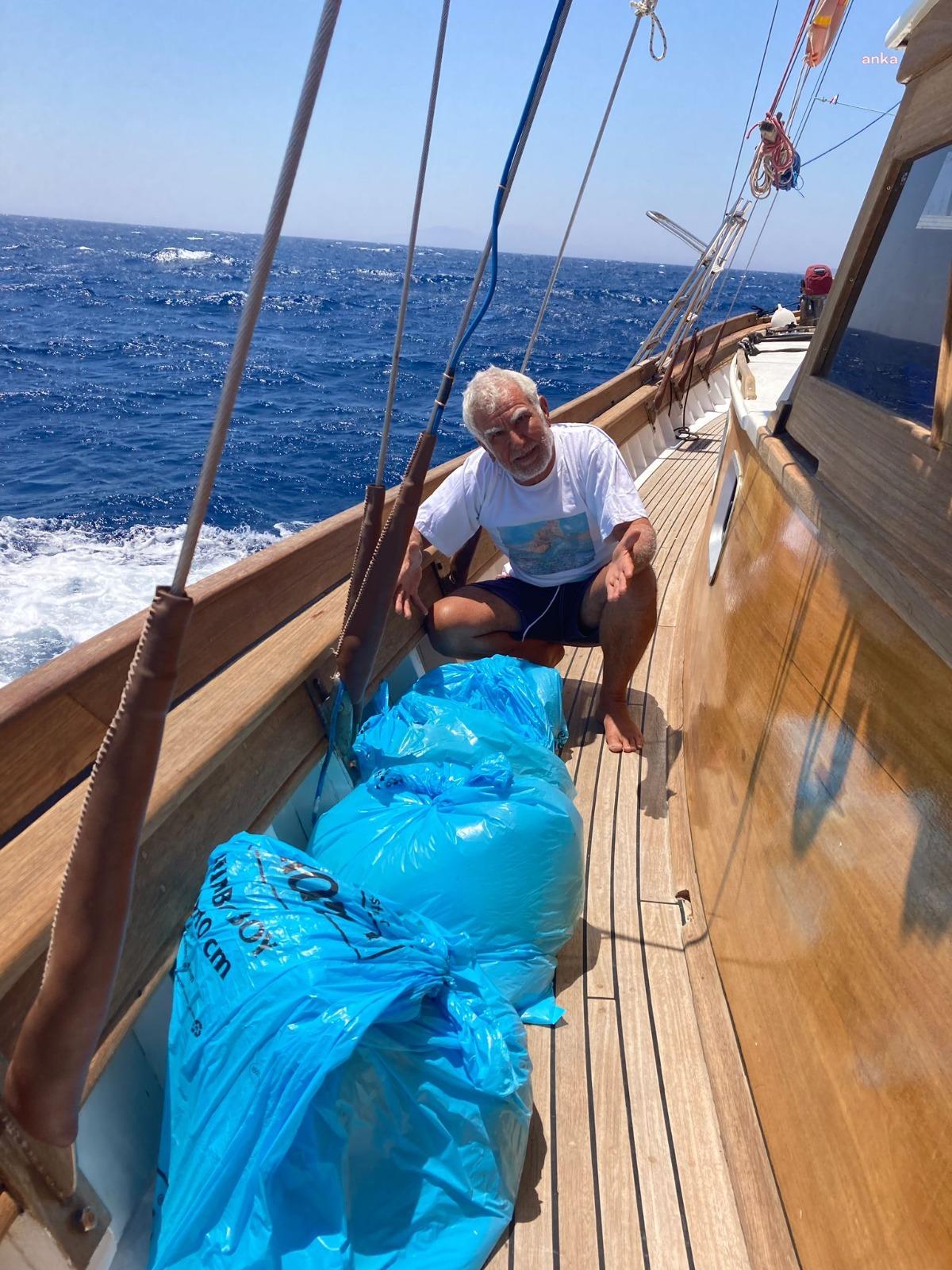 Denizden çöp dolu poşetler toplayan son süngerci: '60 yıllık denizciyim böyle ihanet görmedim'