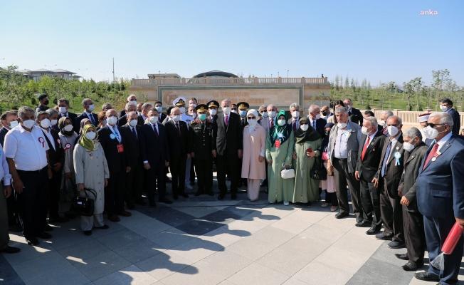Erdoğan: Bu millet haini de affetmez, hainlerin arkasında duranları da affetmez