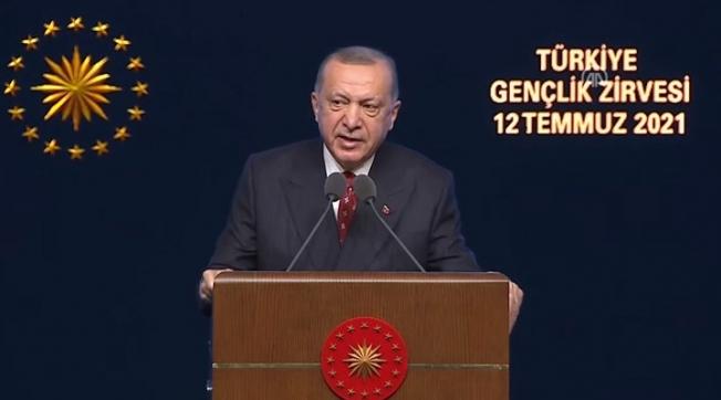 """Erdoğan, Türkiye Gençlik Zirvesi'nde konuştu: """"Dava taşını gediğine koyacak bir gençlik geliyor"""""""