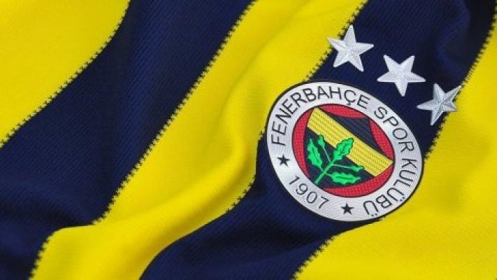 Eski Fenerbahçeli futbolcu trafik kazası geçirdi