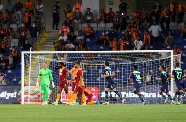Galatasaray mağlubiyetle veda etti
