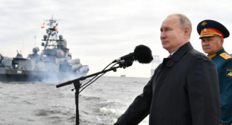 Rusya lideri Putin: Donanmamız gerekirse ölümcül vuruş yapabilecek kabiliyette