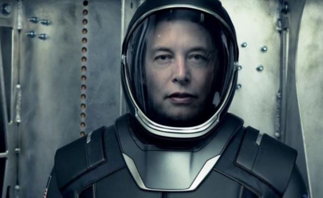 Elon Musk, insansı robot Tesla Bot'un gelecek yıl hazır olacağını açıkladı
