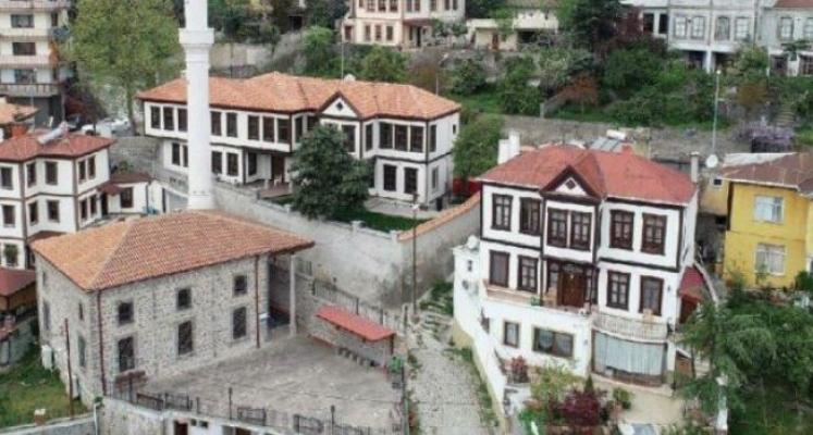 AKP'li belediyede tasarruf sözde kaldı! Konukevi için 800 bin liralık mobilya!