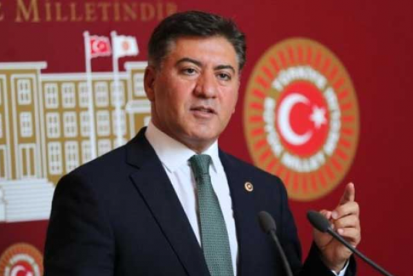 CHP'li Dr. Murat Emir: Çocuklarımızın eğitimi için zorunlu aşıyı tartışmalıyız