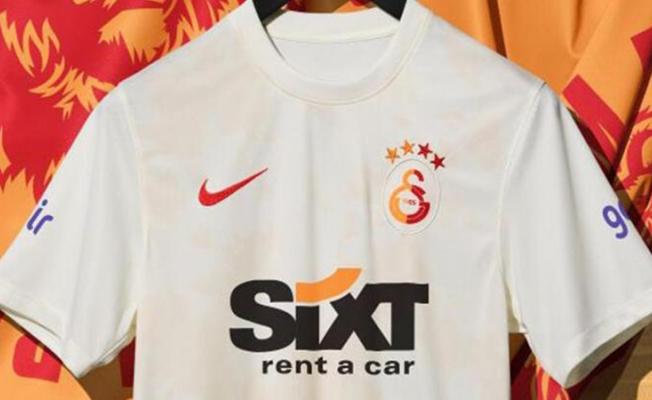 Galatasaray, üçüncü formasını tanıttı