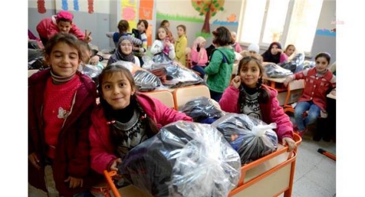 Türkiye'de 1,5 Milyon Suriyeli Çocuk Yüz Yüze Eğitime Hazırlanıyor, Üniversiteli Sayısı ise 48 Bini Aştı