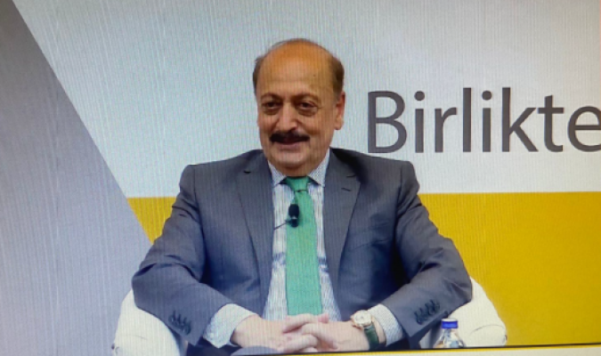 """Bakan Bilgin: """"Gençler Türkiye'den Kaçmak İstiyorlar Diye Bakmamak Lazım, Gençler Dünyayı Tanımak İstiyorlar"""""""