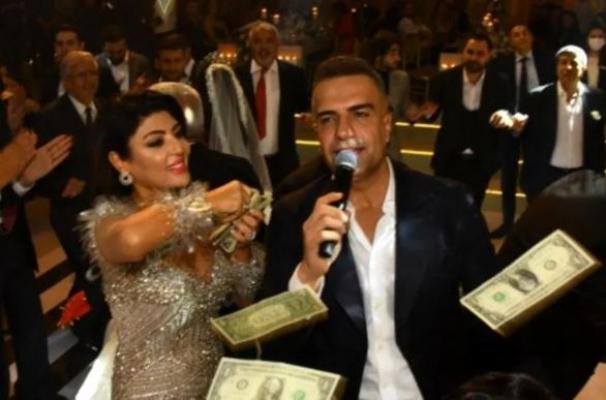 Berdan Mardini'nin sahne aldığı düğünde dolar tepkisi olay oldu