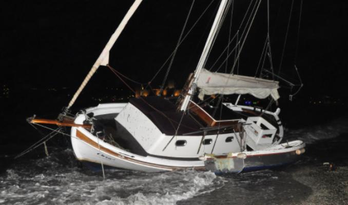 Bodrum'da Fırtına: Tekneler Karaya Sürüklendi