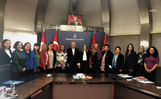CHP Lideri Kılıçdaroğlu, Eşitlik İçin Kadın Platformu'nun temsilcileri ile bir araya geldi