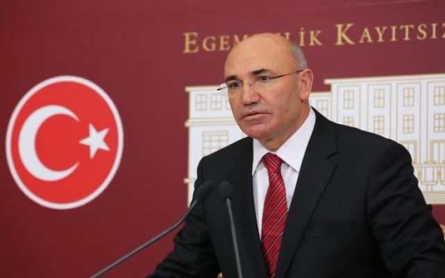 Diyanet görevlisi CHP'li Mahmut Tanal'a küfür etti