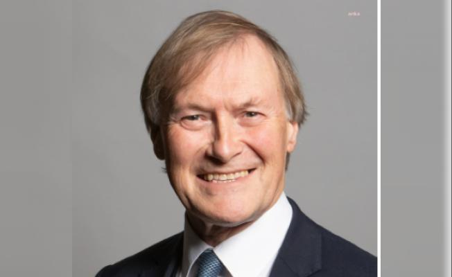 İngiliz Milletvekili David Amess, Uğradığı Saldırıda Hayatını Kaybetti