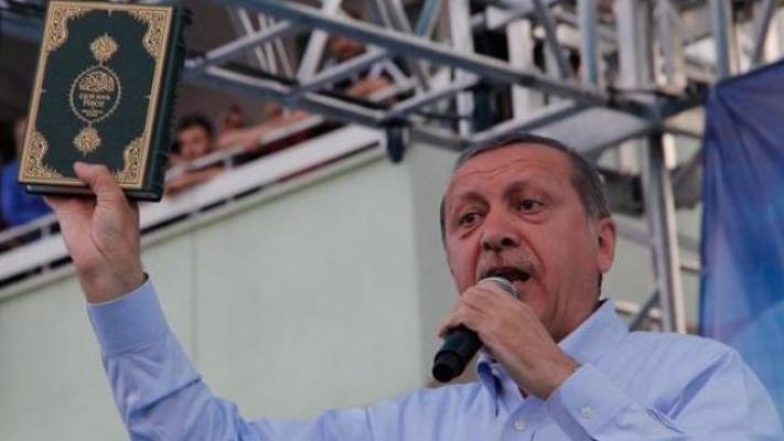 Metropoll'den dikkat çeken anket: AKP'lilerin yüzde 75'i oy için dini kullanmaya karşı