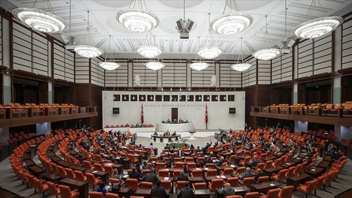 """TBMM Genel Kurulu'nda iktidar ile muhalefet arasında """"Sam Amca"""" polemiği"""