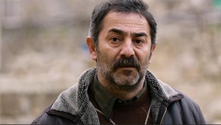 Ünlü oyuncu Ayberk Pekcan kansere yakalandığını duyurdu