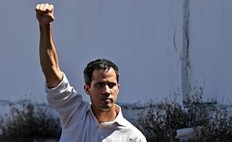 Juan Guaido: Venezuela'nın geçici devlet başkanı olduğunu ilan eden siyasetçi kimdir?