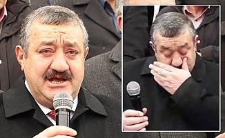 Yeniden aday gösterilmeyen AKP'li başkan gözyaşlarıyla istifa etti