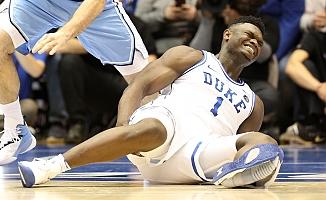 Basketbol sahasında patlayan ayakkabı, Nike'a 1.5 milyar dolar kaybettirdi