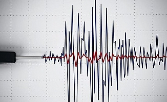 Endonezya'da deprem!