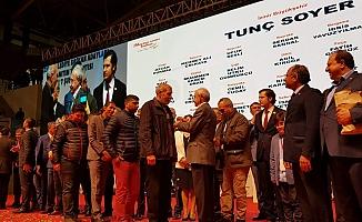 İzmir'de 5 bin ROMAN AKP'den CHP'ye geçti