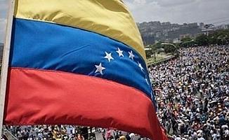"""Venezuela'dan """"Her türlü saldırıya karşılık veririz"""" açıklaması"""