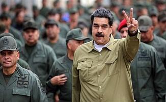 Venezuela sınıra asker yığıyor