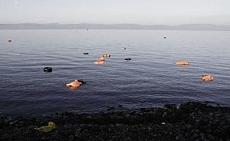 Çanakkale'de sığınmacı teknesi battı: 4 kişi öldü