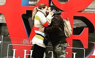 Ceyda Düvenci Kanada'da aşk tazeledi