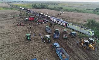 Çorlu tren kazasında hayatını kaybedenlerin yakınları adalet nöbetine başlıyor