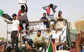 Sudan İstihbarat Başkanı istifa etti