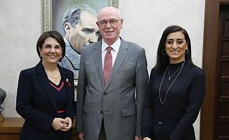 Usluer ve Akman Başkan Kurt'u ziyaret etti