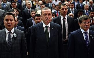 """""""Erdoğan'ın Babacan ile Davutoğlu'na yönelik tavrı arasında büyük farklar var"""""""