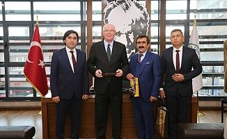 Mecitözü Belediye Başkanı Veli Aylar Kazım Kurt'u ziyaret etti
