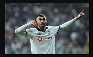 Beşiktaş, Burak Yılmaz'la 1 yıl Daha Devam Edecek!