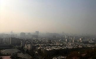 İran'da Hava Kirliliği Sebebi ile Okullar Tatil