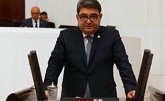 """""""Türkiye Bir Adamın İki Dudağının Arasına Sıkışmış Vaziyette"""""""