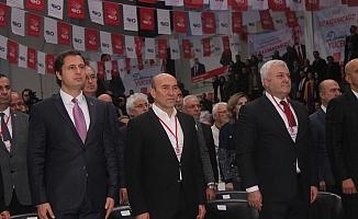 CHP İzmir Kongresi'nde il başkanlığına tek aday mevcut başkan Deniz Yücel oldu