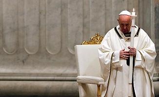 Papa'dan canlı yayınlanan Paskalya ayininde koronavirüse karşı birlik çağrısı