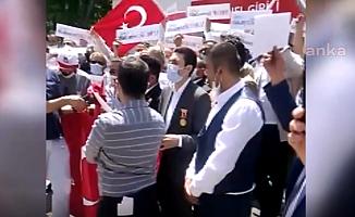 15 Temmuz Gazileri Bakanlık Önünde Eylem Yaptı; ''Verilen Sözler Tutulmadı''