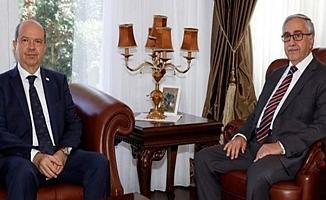 Kıbrıs'ta Cumhurbaşkanı, Kabine Listesini Veto Etti