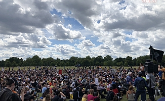 Londra'da ırkçılık karşıtı miting
