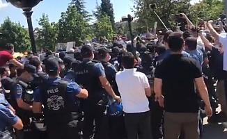 Ankara Adliyesi Önünde Baro Başkanları ve Avukatlara Polis Müdahalesi