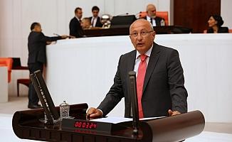 CHP'li Çakırözer'den AB'ye çağrı: ''Yaptırımlar Türkiye'yi AB'den uzaklaştırır''